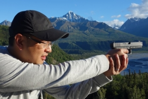 handgun-shooting-alaska-adventure-custom-tours.550-min